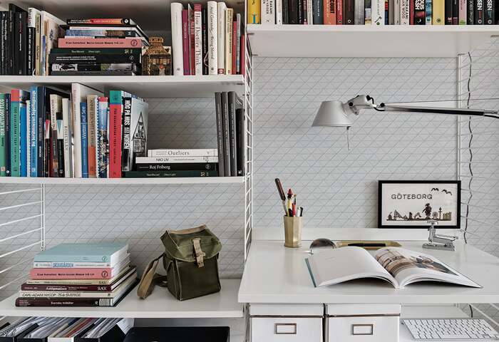 TR2-MWZ_interior wall design finished by zip connection white classic matte triangle tile