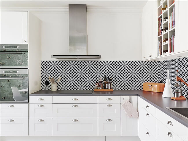 small kitchen design ideas-keep it unclutter